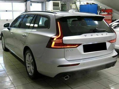 gebraucht Volvo V60 2.0 B5 Momentum AWD