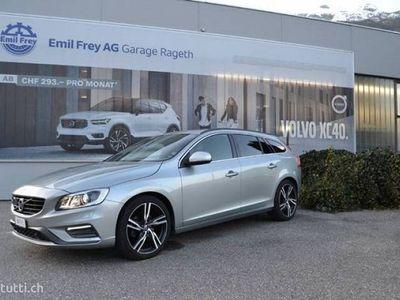 gebraucht Volvo V60 2.0 D4 Momentum R-Design S/S