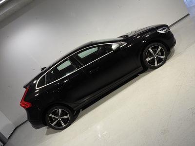 gebraucht Volvo V40 D3 Momentum R-Design