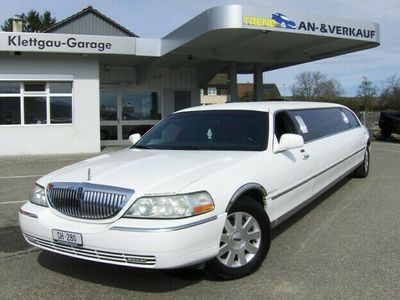 gebraucht Lincoln Town Car 120 Inch Stretchlimo 9 Plätzer Stretchlimousine