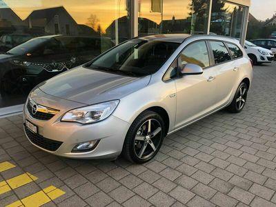 gebraucht Opel Astra SportsTourer 1.4i 16V Turbo
