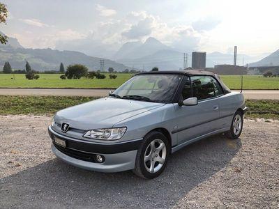 gebraucht Peugeot 306 Cabriolet Silberblau 1.8 Jg. 2002
