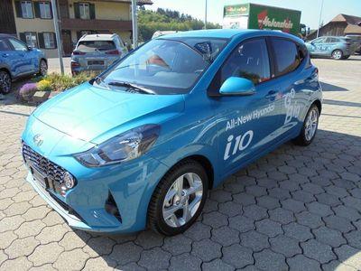 gebraucht Hyundai i10 1.0 Launch Automat