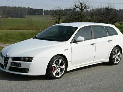 gebraucht Alfa Romeo 159 159 Sportwagon 3.2 JTS DistinctiveSportwagon 3.2 JTS Distinctive