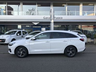 gebraucht Hyundai i30 Wagon 1.5 T-GDi Amplia 48V MH iMT