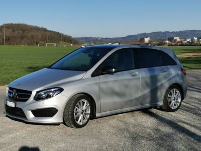 gebraucht Mercedes B220 B-Klasse Mercedes BenzAMG-Line 4Matic 7G-D inkl. AHK manuell