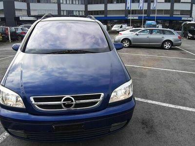 gebraucht Opel Zafira 2.2 DTi Elegance