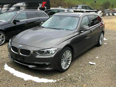 gebraucht BMW 330  d xDrive Touring Luxury Line Steptronic