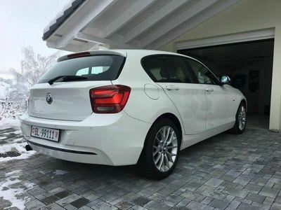 gebraucht BMW 116 1er i Sport Line Steptronic mit 8 Gang Automatik