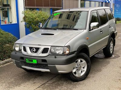 gebraucht Nissan Terrano 2.7 TD Luxury Wagon