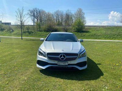 gebraucht Mercedes CLA200 Shooting Brake d AMG Line 4Matic 7G-DCT