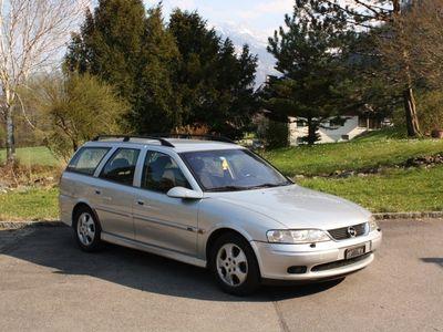 gebraucht Opel Vectra Caravan 2.5i V6 Ed.2000 Navi