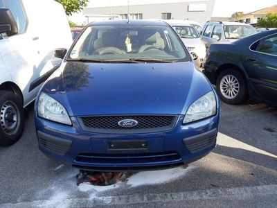 gebraucht Ford Focus 1.8i Carving