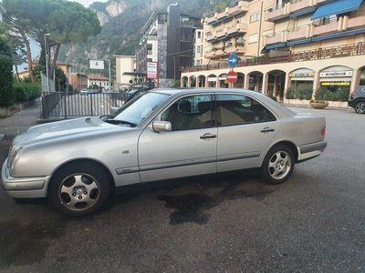 gebraucht Mercedes E300 E-Klasse MERCEDES BENZ