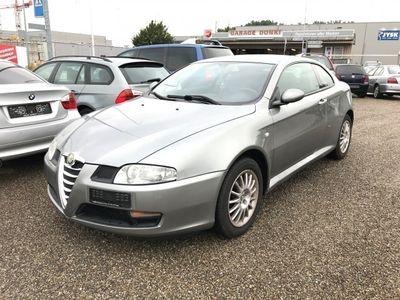 gebraucht Alfa Romeo GT 2.0 JTS Distinctive