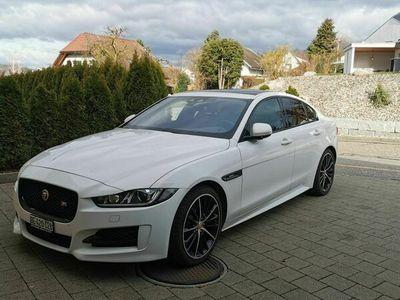 gebraucht Jaguar XE XE 2.0D R-Sport / Vollausttatung2.0D R-Sport / Vollausttatung