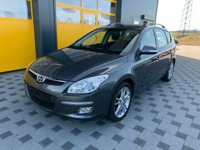 gebraucht Hyundai i30 Wagon 2.0 Premium Automatic