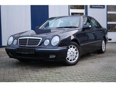 gebraucht Mercedes E220 CDI Elegance AHK