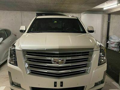 gebraucht Cadillac Escalade Escalade mit 426-PS-V8 7Plätzer/Sitzemit 426-PS-V8 7Plätzer/Sitze