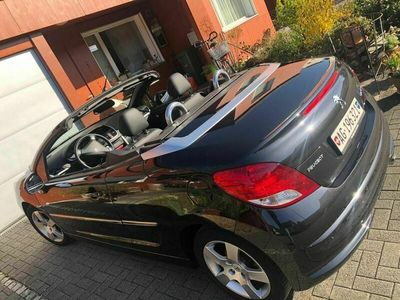 gebraucht Peugeot 207 CC just perfect for the summer!