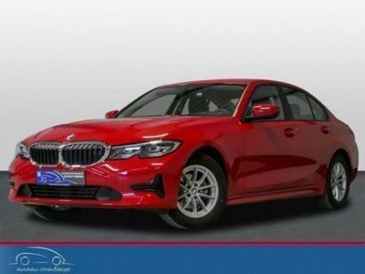 gebraucht BMW 318 d Lim. Aut. NAVI HUD 3-Z TEMPO NP:47.000€