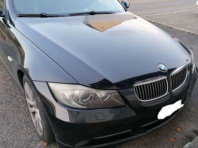 gebraucht BMW 330 3er Verkaufe unfallfreierTouring ab Platz
