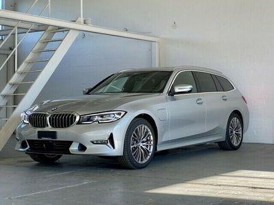 gebraucht BMW 330e xDrive Luxury Line