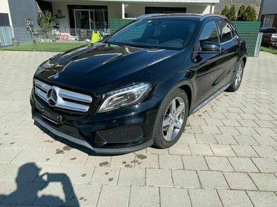 gebraucht Mercedes GLA250 AMG Line 4Matic 7G-DCT