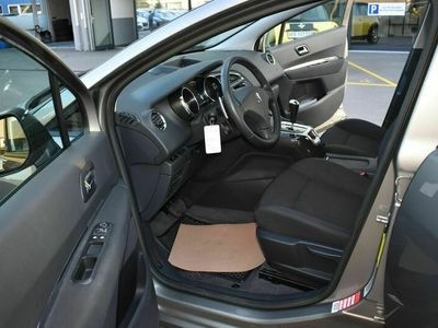 gebraucht Peugeot 5008 5008 1.6 HDI Active EGS61.6 HDI Active EGS6