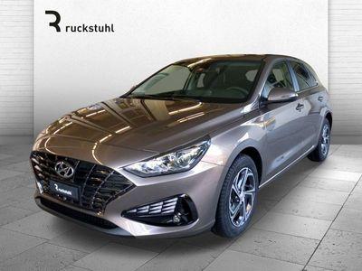 gebraucht Hyundai i30 1.5 T-GDi Amplia