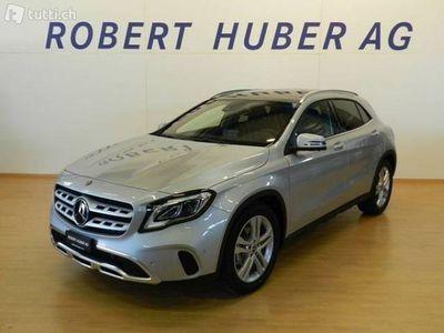 gebraucht Mercedes GLA220 d Urban 4Matic 7G-DCT