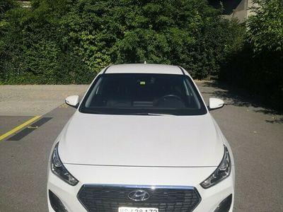 gebraucht Hyundai i30 1.4 T-GDI Amplia DCT