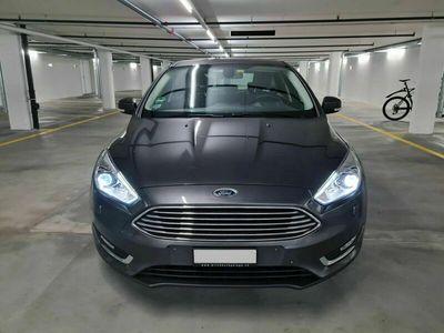 gebraucht Ford Focus 1.5 SCTi Titanium