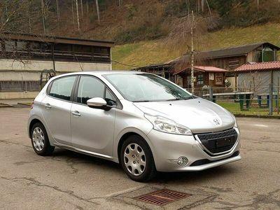 gebraucht Peugeot 208 Active