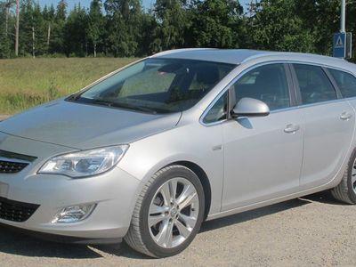 gebraucht Opel Astra 1.7 CDTi Cosmo Sport