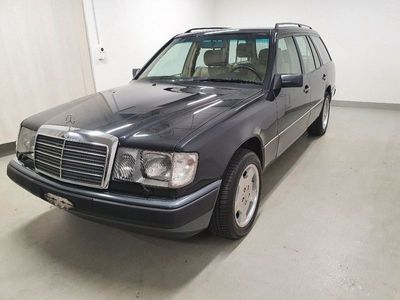 gebraucht Mercedes E300 TE 4Mat