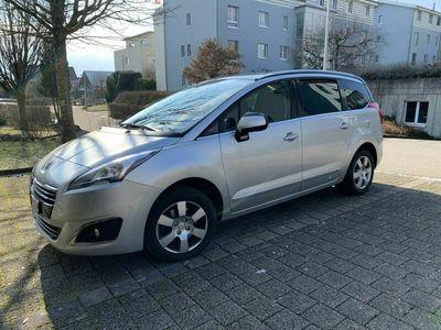 gebraucht Peugeot 5008 Sensation 1.6 BluHDi, Jrg 2016, silber