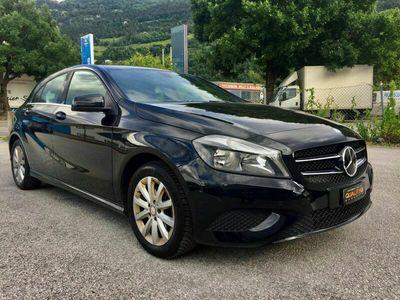 gebraucht Mercedes A180 AMG Line 7G-DCT