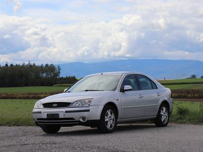 gebraucht Ford Mondeo 2.0i 16V Ghia