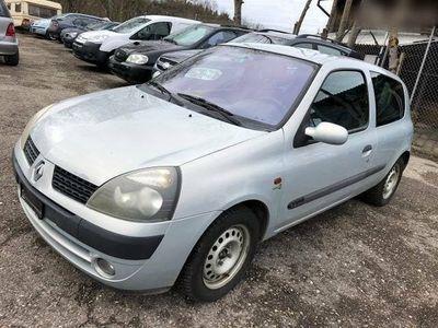 gebraucht Renault Clio 1.4 16V) 160,000km/11,2001/10,8,216