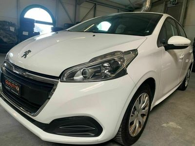 gebraucht Peugeot 208 1.2 PureTech Style