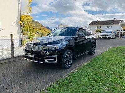 gebraucht BMW X5 25d vollausgestattet und mit 16000 Km VBH