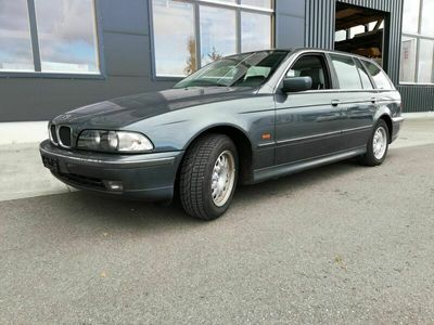 gebraucht BMW 523 5er 523i 2,5 170 PS, 5-Gang Schaltgetriebe MFK Okt. 20 5er i 2,5 170 PS, 5-Gang Schaltgetriebe MFK Okt. 20