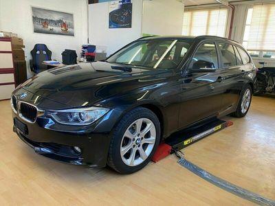 gebraucht BMW 320  i Touring Luxury Line Steptronic