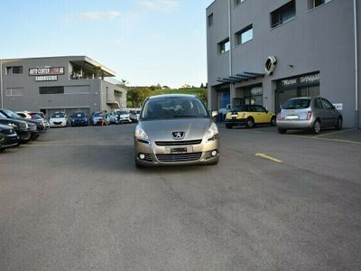 gebraucht Peugeot 5008 1.6 HDI Active EGS6