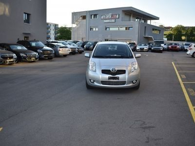 gebraucht Toyota Yaris 1.3 Linea Luna