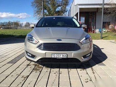 gebraucht Ford Focus 1.5i EcoB SCTi 182 Titanium X, Tectonic Silver