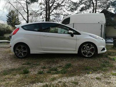 gebraucht Ford Fiesta 1.6 SCTi ST-1
