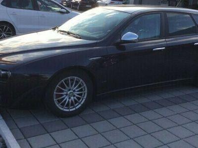 gebraucht Alfa Romeo 159 159 Sportwagon 1.9 JTD DistinctiveSportwagon 1.9 JTD Distinctive