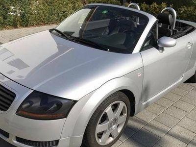 gebraucht Audi TT Roadster N8 mit wenig Kilometer
